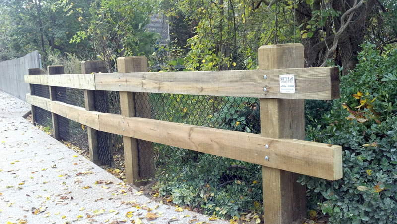 Commercial south east fence supply